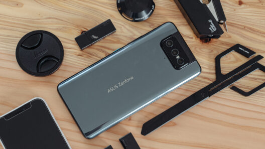 ASUS Zenfone 8 Flip レビュー:ギーク心くすぐるフリップカメラ【PR】