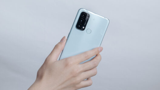 使いやすさと安心を追求したスマートフォン:OPPO Reno5 A
